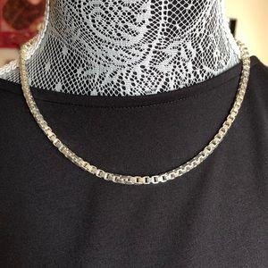 Tiffany Venetian link necklace